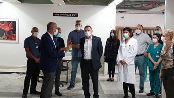 """Minister of Health Yuli Edelstein at Shaare Zedek: """"ICU Beds To Double at Shaare Zedek Ahead of Winter"""""""