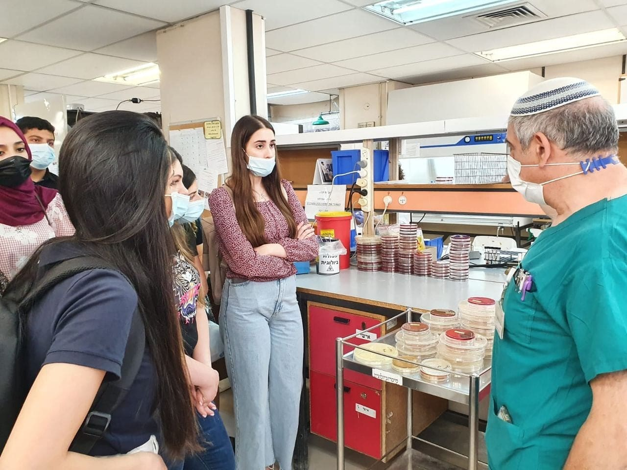Future Medical Technicians visit Shaare Zedek